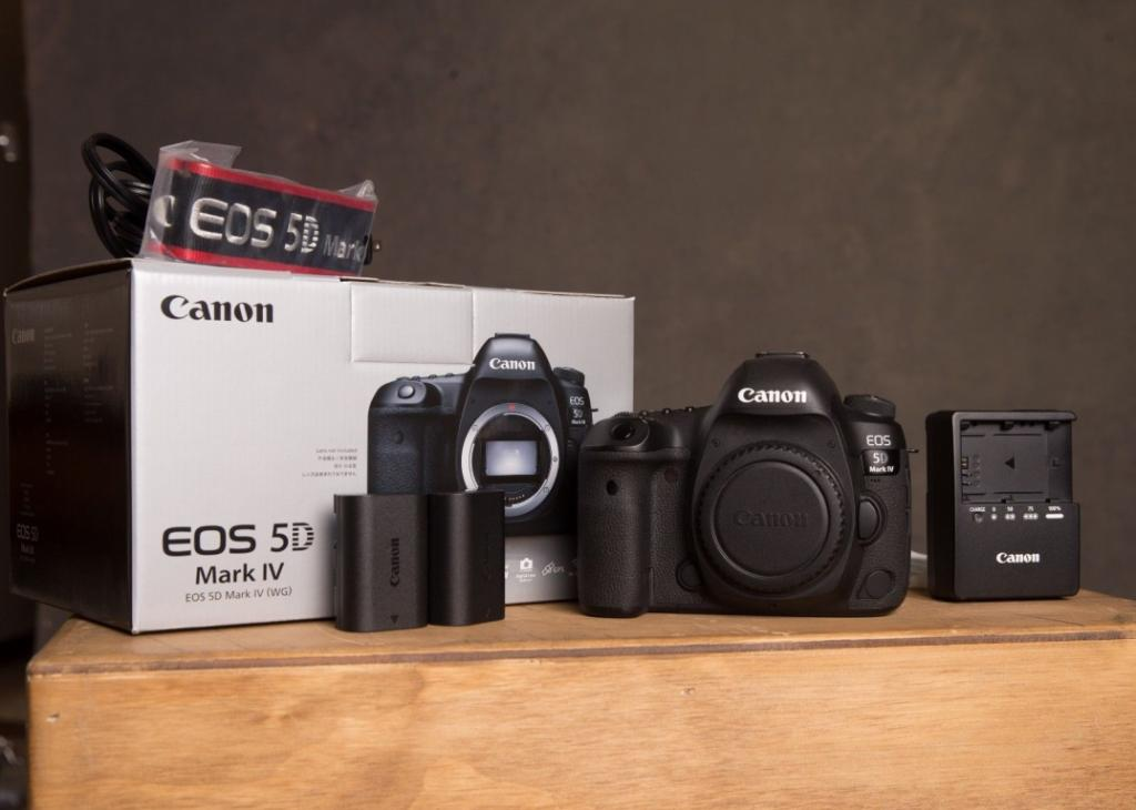 Slika: Buy : Canon EOS 5D Mark IV,Nikon