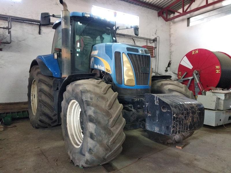 Slika: Prodajem traktor NEW HOLLAND T8040