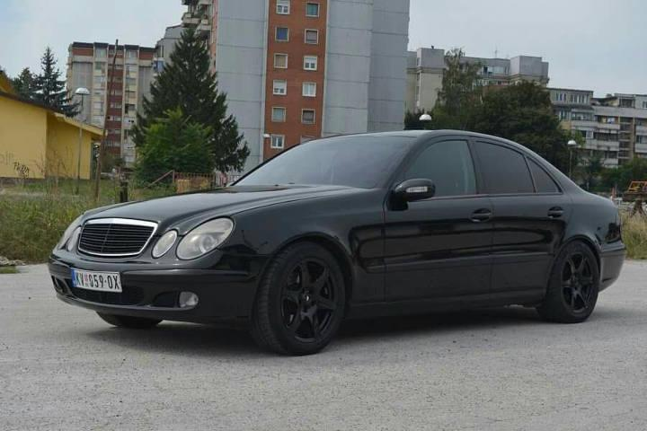 Slika: Mercedes E 200 CDI 2004. god.