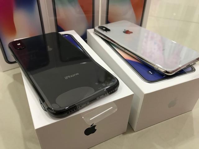 Slika: Apple iPhone X 64GB za 400 EUR
