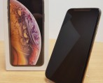 Slika: Apple iPhone XS 64GB = 450 EUR